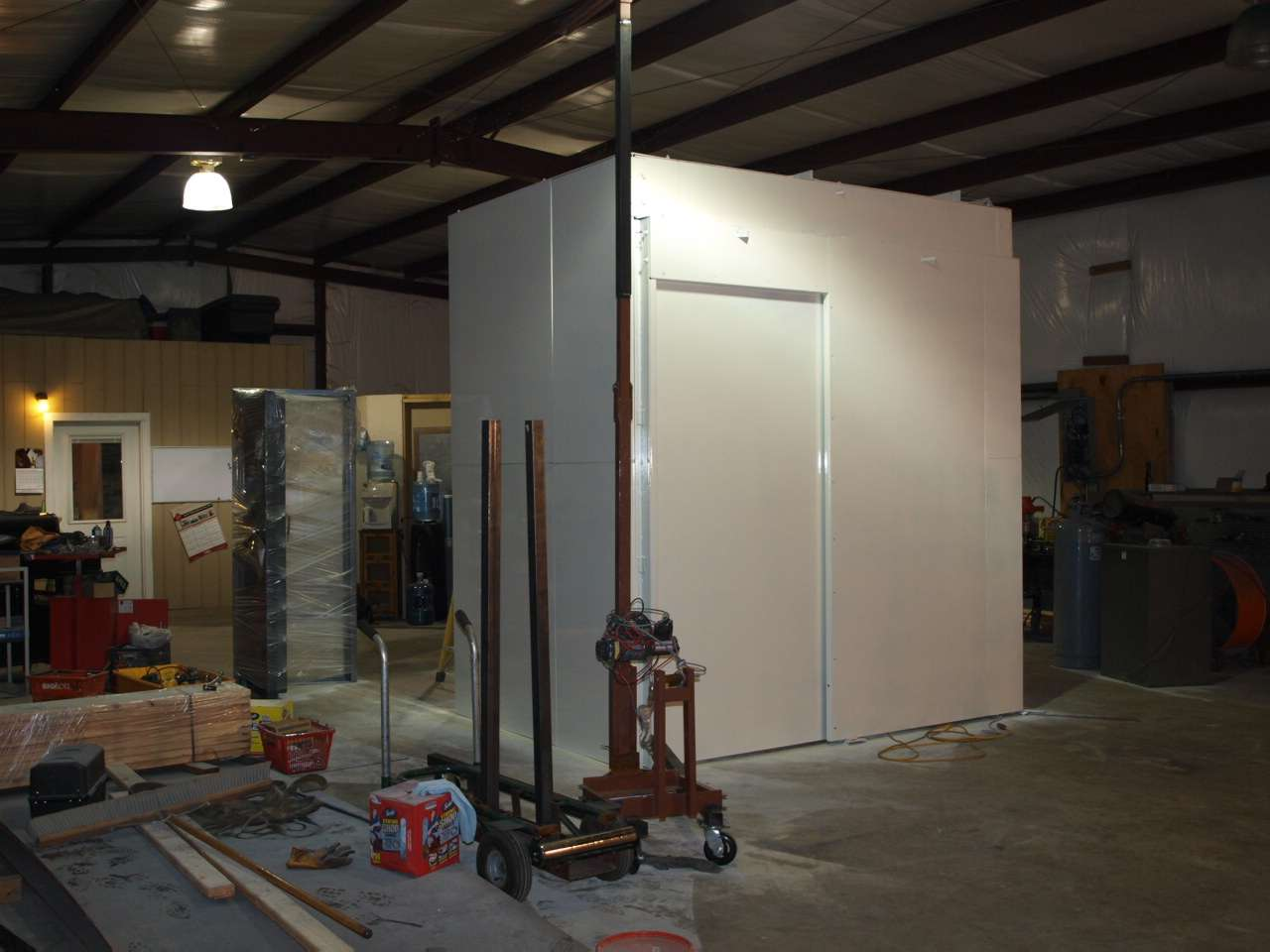 Modular vault gun vaults security vault evidence rooms for Built in gun safe room
